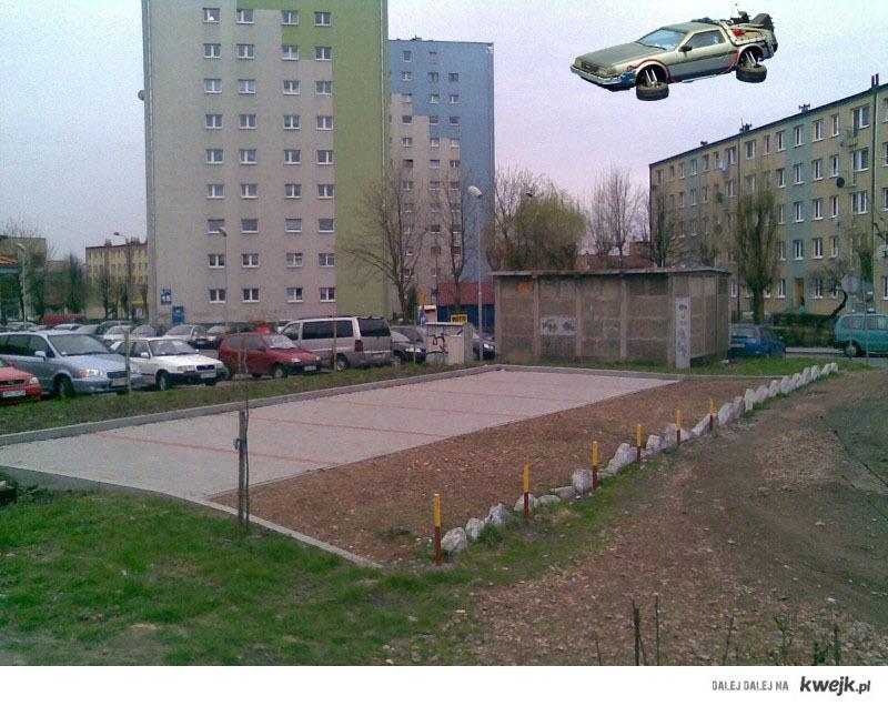 Parking dla latających delorianów :P