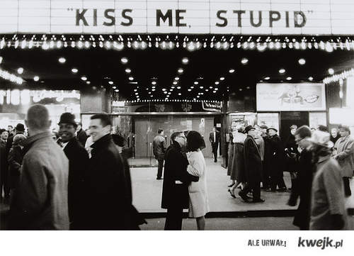 kiss:*