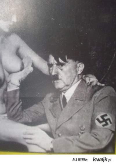 Hi Hitler,Hi cycki